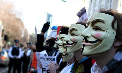 Dos detenidos en Reino Unido relacionados con Anonymous