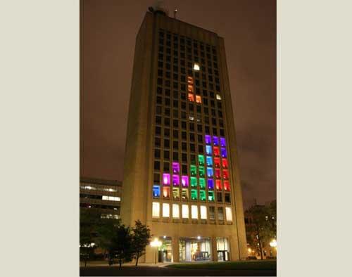 Hackers del MIT montan un Tetris gigante en un edificio de 21 plantas 48