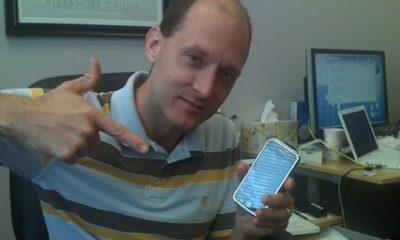 Twitter contrata al hacker de Apple Charlie Miller 54