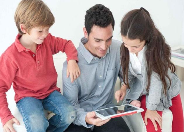 La Policía Nacional recomienda a los padres supervisar los dispositivos de sus hijos