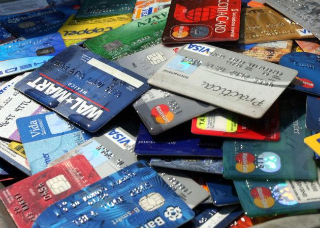 Desarticulan una organización criminal que compraba artículos de lujo por Internet