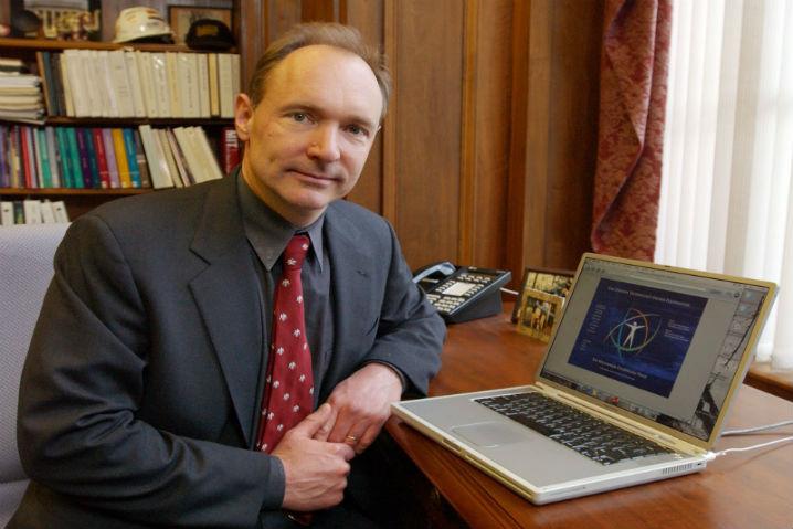 Tim Berners-Lee asegura que el espionaje de Internet amenaza la Democracia