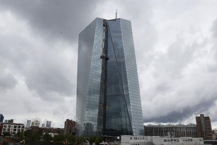 Hackean la web y roban datos del Banco Central Europeo 49