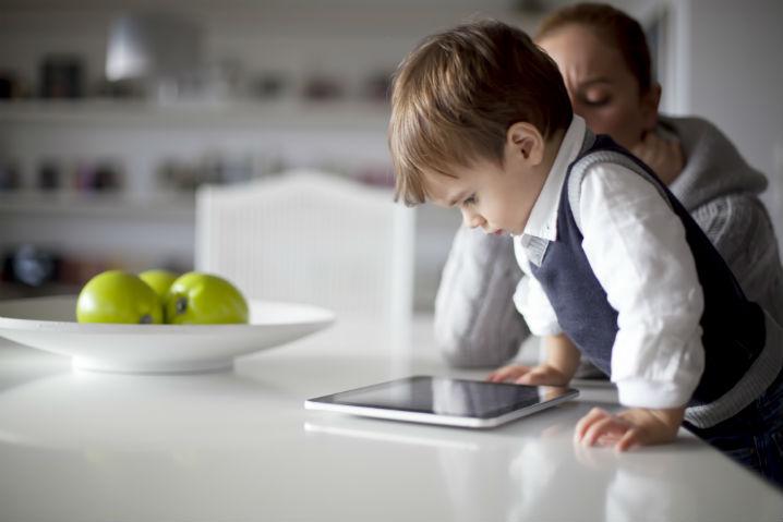 Los españoles no se molestan en enseñar a sus hijos los peligros de Internet
