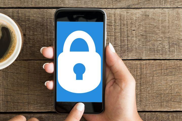 Juez de Estados Unidos no obligará a Apple a desbloquear un iPhone