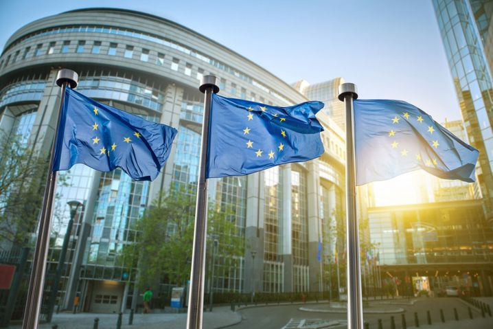 La Unión Europea auditará los códigos de Apache y KeePass