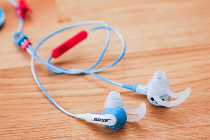¡Cuidado! Tus auriculares también pueden ser usados para espiar