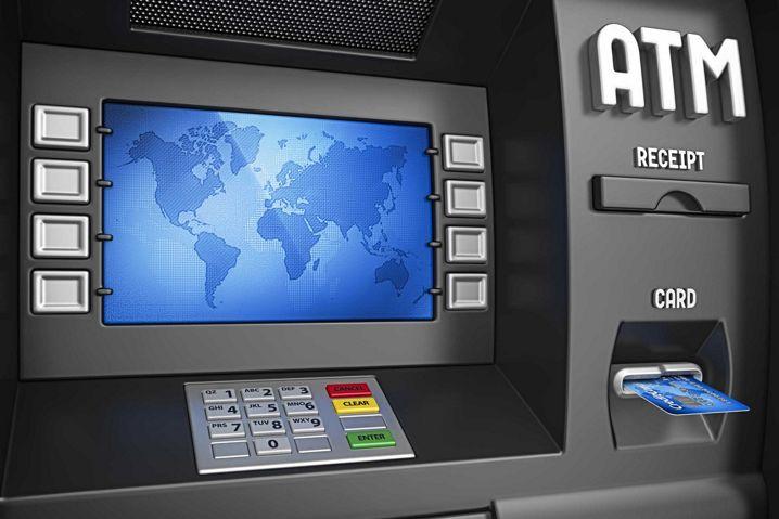 Alice es un malware que roba el dinero l quido de los for Cajeros en el aeropuerto