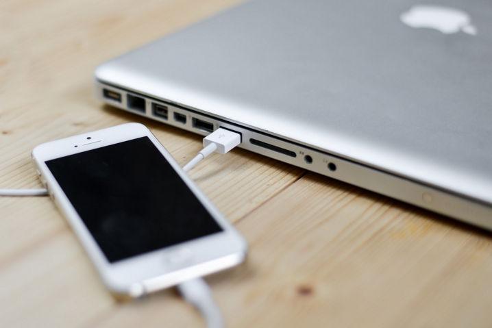 Descubren que es fácil evitar el USB Restricted Mode de iOS