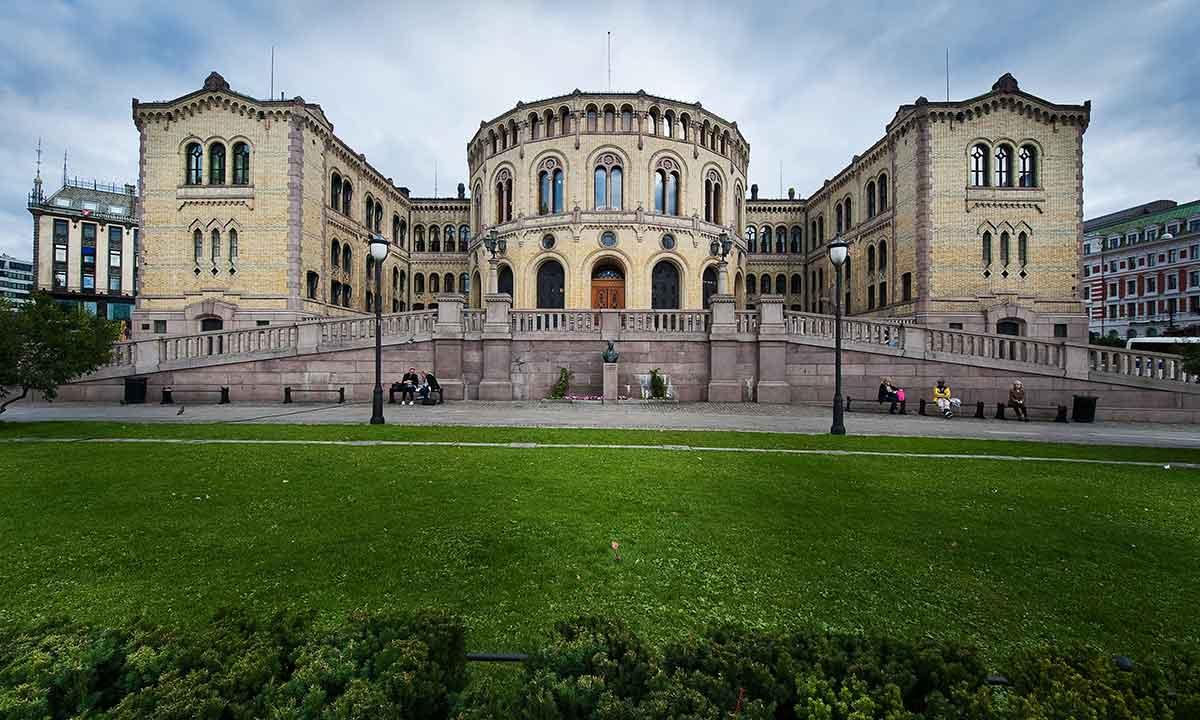 Parlamento noruego: víctima de un ataque